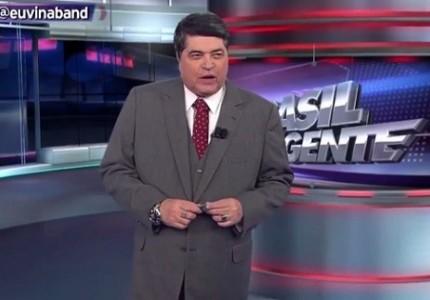 José Luiz Datena apresenta o Brasil Urgente; jornalista chamou o ex-colega Luiz Bacci de imbecil