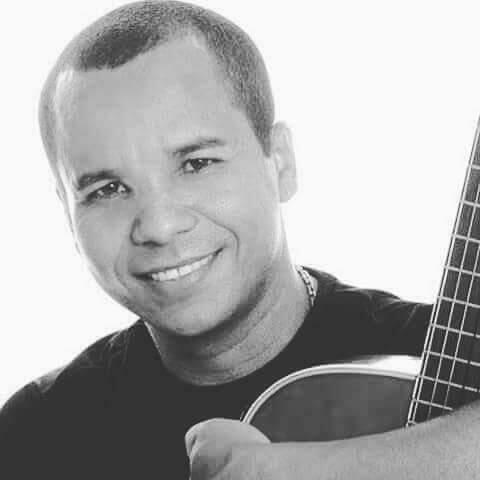 Confira e baixe os sucessos de Leandro Leal